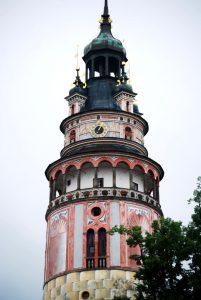 Der Turm von Schloss Krumau sieht wie aus Zuckerguss aus