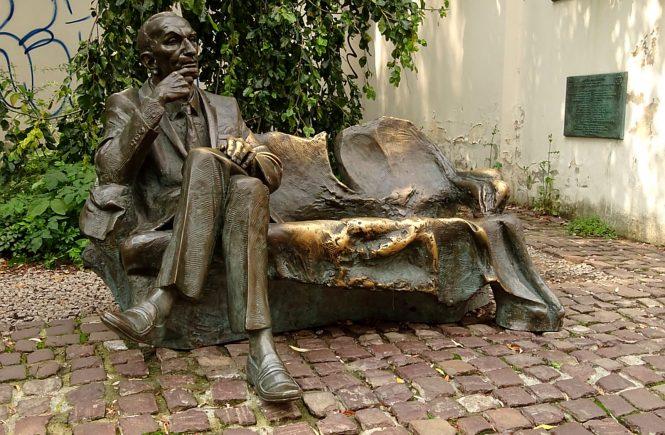 Skulptur Jan Karski im jüdischen Viertel Kazimierz